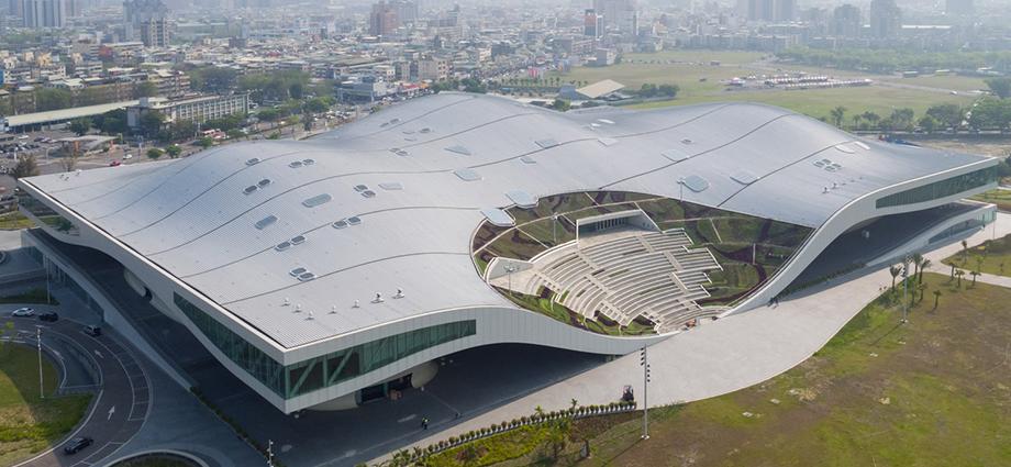 """""""世界上最大的单屋顶""""表演艺术中心—国立高雄艺术中心"""