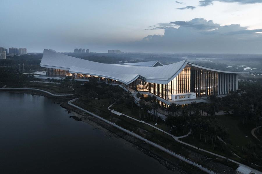 与椰风海韵共从容:中国(海南)南海博物馆 / 华南理工大学建筑设计研究院