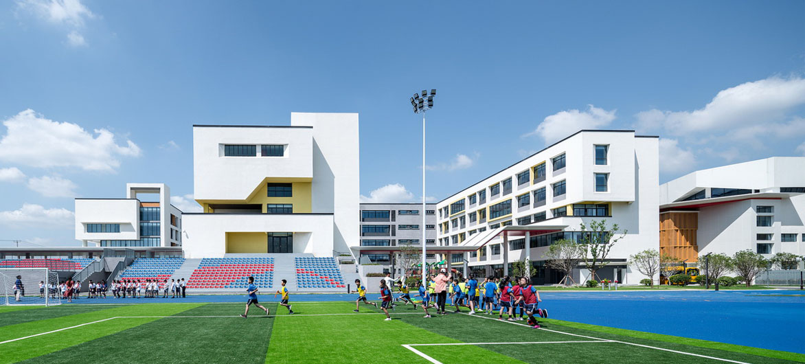 上海青浦协和双语学校 / 上海实现建筑设计事务所