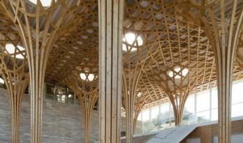 坂茂设计的九座桥乡村俱乐部