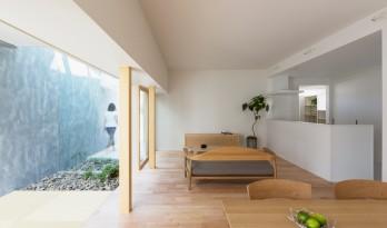 """隐藏在实墙背后,日本""""草津之家"""""""
