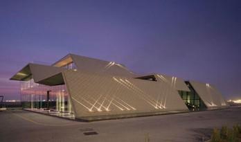 与地形相对话的al zorah展馆