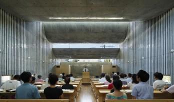 光线不断变幻的教堂