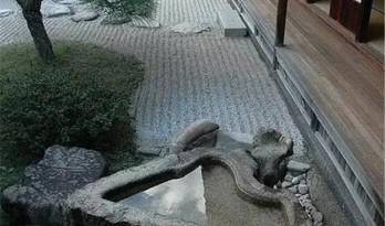 让人心生平静的日式庭院
