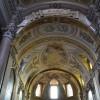 罗马遗迹之外的现代建筑