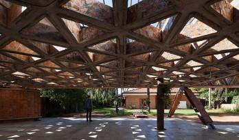 用砖打造的遮阳棚 探索简单材料的可能性