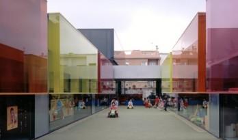 晶莹剔透果冻般幼儿园,只为给孩子最好的引导认知空间