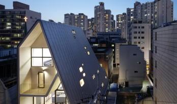 小而全,简而精,60平地块上的三角延伸建筑