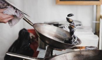 餐饮建筑厨房的油烟排放方案比较
