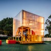 Grimshaw事务所打造的移动方块游乐小屋,温馨、刺激、有活力!
