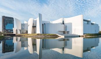 巴洛克国际博物馆,硬挺的混凝土竟宛若丝绸舞动般柔滑