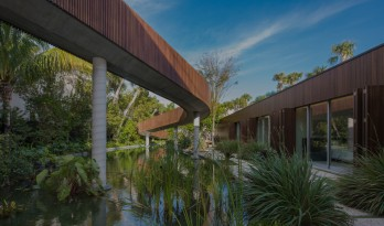 MK27工作室完成了拥有自己私人潟湖的迈阿密海滩别墅