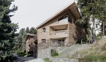 使用原木和石材,让住宅与自然相连