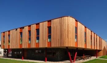 简洁的流线,开放的教室——荷兰Markenhage学院