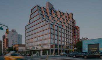 布鲁克林一座室外露台层层跌落的转角公寓