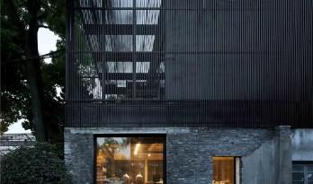回归建筑原真性,与斑驳老墙和谐共生——瓷语堂 / 创盟国际