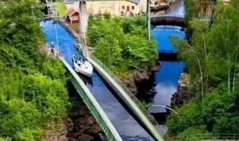 不可思议的桥,竟还有用水做的……