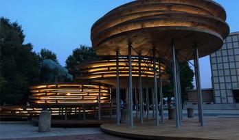层叠的圆盘,三维的广场——新型材料CLT制作的景观小品