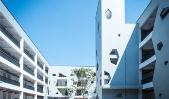 """心灵家""""园""""的重建 – 一个拆迁安置小学的设计 / 秦洛峰设计工作室"""