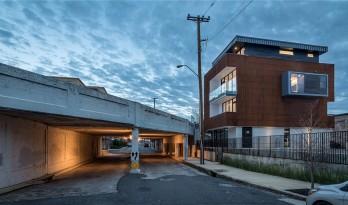 远离尘嚣的住宅—主体量与交通核的另样表达