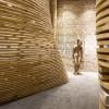 用木材描绘出的曲线空间——保利珠宝展厅 / 陶磊建筑事务所
