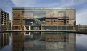 新的校园门户——路易斯艺术中心