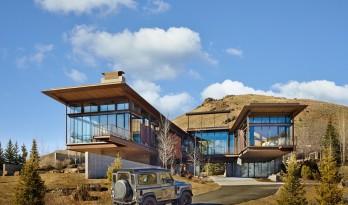 粗犷工业风,高原沙漠里的现代住宅