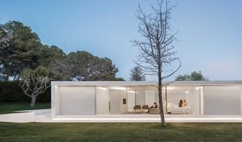 瓦伦西亚的天然绿洲——纯白的巴伦西亚住宅