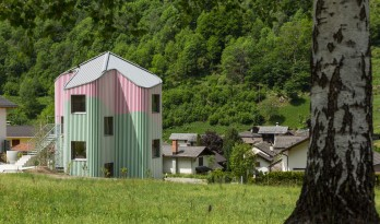 十字型的瑞士屋——再创造的公共艺术