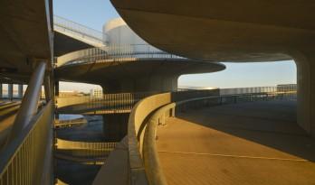 阿姆斯特丹RAI停车场大楼 ——螺旋塔楼 / Benthem Crouwel Architects