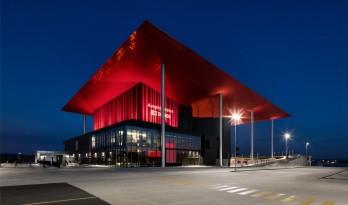 一抹妖娆的红——Amphithéâtre Cogeco露天剧场