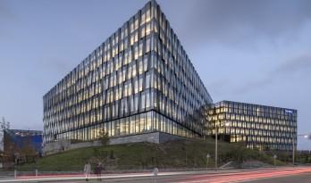 北欧平原上的巨型水晶——诺迪亚银行丹麦总部