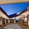夏威夷住宅——巨大的多面屋顶打造出特别的室内外空间