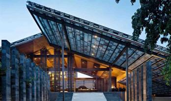 传统材料与现代元素相结合——Santai度假别墅