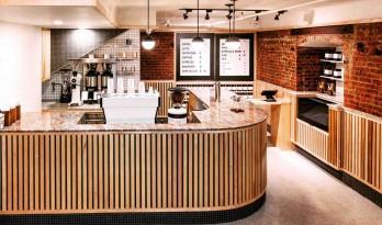 两副面孔?纽约专利咖啡厅白天是咖啡厅,晚上则摇身一变为地下酒吧