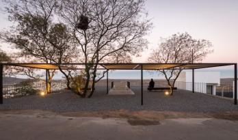 '双拼'住宅 / Adolfo Mondejar Estudio de Arquitectos
