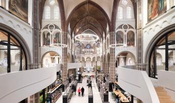 历史感与当代融合共存的教堂改造