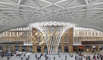 哈利波特里的国王十字火车站的9¾站台怎么建成的?