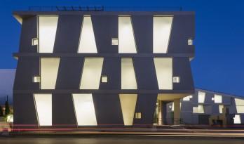 斯蒂芬·霍尔新作落成,预制混凝土和玻璃的交错的艺术学院