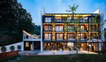 传统湘西风格结合现代材料 — 张家界·六甲设计酒店