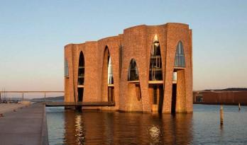 矗立在海边的现代式哥特城堡:KIRK KAPITAL新总部建筑