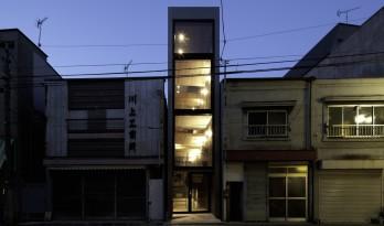 日本城市迭代更新应运而生的1.8米宽的微小住宅