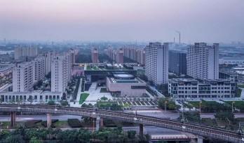 用十年,书写一份执着——上海外高桥文化艺术中心