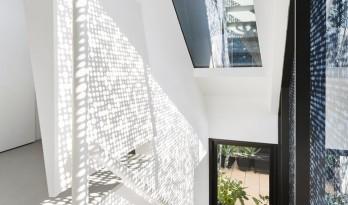 光与影的小游戏—摩尔住宅