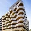 流淌在建筑上的塞纳河 — 极富韵律感的巴黎公寓