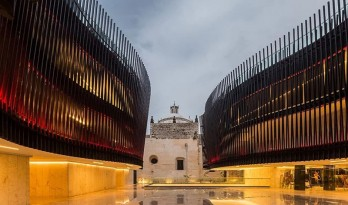 用现代元素烘托古迹的墨西哥音乐宫