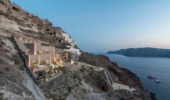 崖壁上的一块山石:圣托里尼山岩酒店