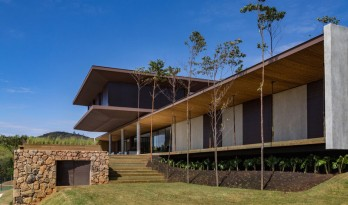 有机材质与地平线的完美结合——巴西,CR住宅