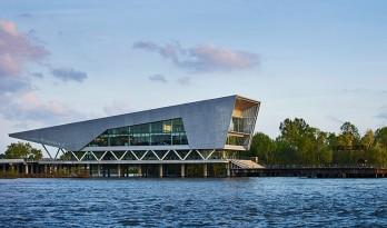 钢 + 玻璃 = 密西西比河畔楔形水利研究所