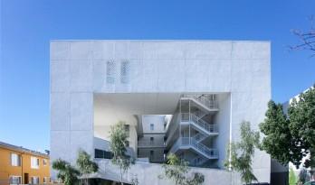 方盒子里的绿意世界,低廉住宅的爱心营造——洛杉矶的流浪者之家